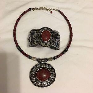 Premier Designs fashion necklace and bracelet